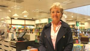 Carina Wolff-Brandt skriver böcker som går åt.