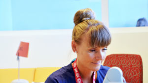 Barnmorska Monica Kihl vid Kotka bb lär sig svenska