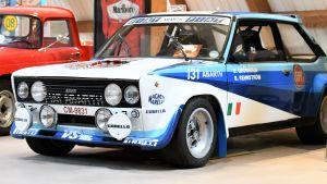 En kopia av pappa Ulfs rallybil finns i Marcus Grönholms rallymuseum.