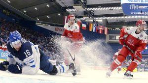 Alexander Barkov låg bakom att Finland gled till seger mot Danmark.