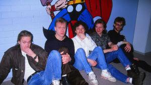 Eppu Normaali -yhtye vuonna 1990.