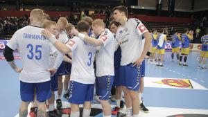 Finlands herrlandslag i handboll efter hemmaförlusten mot Bosnien och Hercegovina i EM-kvalet 2019.