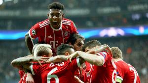 David Alaba och resten jublar i Bayern München.