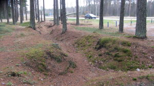 Naturliga utgrävningar efter kriget på gården vid Hangö frontmuseum.