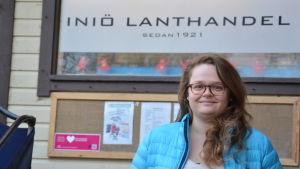 iona Maaranto trivs med jobbet vid Iniö lanthandel.