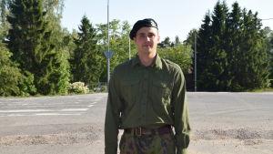 Alexander Lassfolk är beväring vid Nylands brigad.