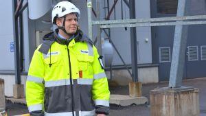 Projektchef Kim Nylund vid bygget av den nya fabriksbyggnaden vid Fermions fabriksområde.