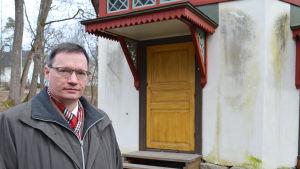 Tryggve Gestrin är intendent på Esbo stadsmuseum