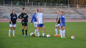 Vasa IFK:s damer tränar