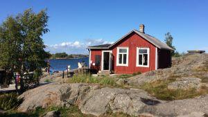 Cafébyggnaden i Örö gästhamn.