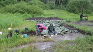 Arkeologiska utgrävningar vid Raseborgs slottsruiner.