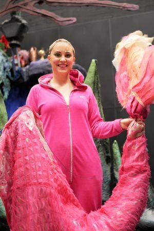 Musikalartisten Sarah Nedergår i den lilla sjöjungfrun