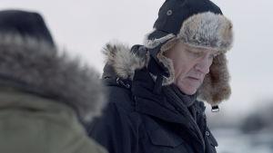 Ville Virtanen Sorjosena karvalakki päässään.
