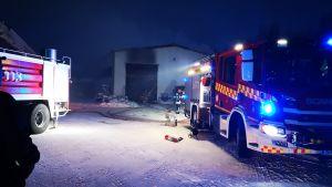 Tulipalossa vaurioitunut halli Keminmaassa.