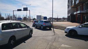 Rajan liikennevalvonta aiheutti Tornioon autojonoja.