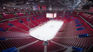 Montreal Canadiens hemmaarena med tomma läktare.
