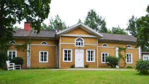 Karleby gårds karaktärshus.