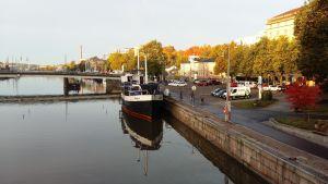 Restaurangbåten Majland i Aura å