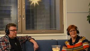Kennet Lindholm och Kerstin Ståhlberg i Fredagssnack.