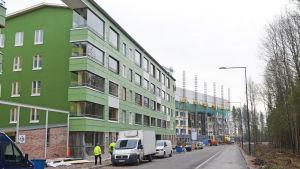 Bygge av bostadsmässa i Kivistö, april 2015