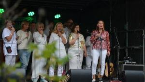 ÅK Ensemble uppträder på konstens natt i Åbo.
