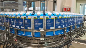 Kotimaista-maitojuomaa Kaslinkin tehtaalla