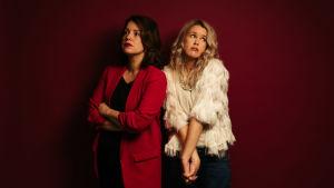 Eva Frantz och Hannah Norrena ser ledsna ut.