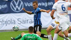 Elias Mastokangas ger FC Inter ledningen med 1–0.