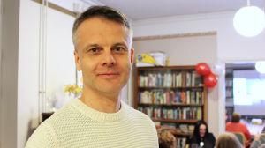 Robert Donner på sfp:s valvaka i Villa Junghans