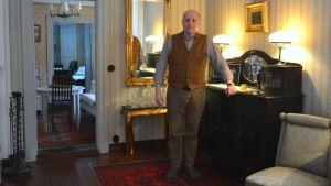 Tomas Hanell i sitt hem.