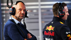 Adrian Newey är teknisk chef för Red Bull.