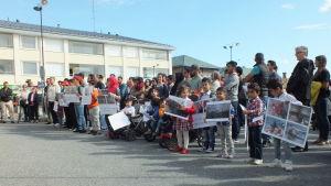 Fredling demonstration i Kristinestad mot Finlands flyktingpolitik.