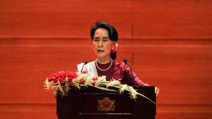 Aung San Suu Kyi höll ett tv-tal till nationen om rohingya-krisen 19.9.2017.