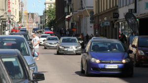 Biltrafik i Helsingfors.