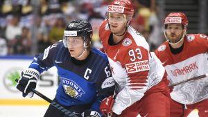 Mikael Granlund och Peter Regin.