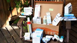 Medicinförpackningar.