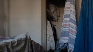 Kuva omassa huoneessa kuivuvista pyykeistä. 21.3.2020