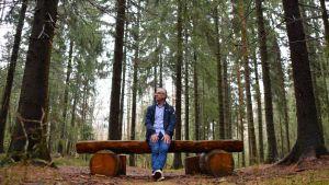 Stefan Härus i Hammars-Gammelbacka-skogen i Borgå