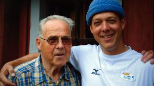 Riko Eklundh tillsammans med pappa Christer Eklundh.