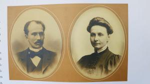 Gammaldags sepiafärgade porträtt av Arvid och Emilia Sanmark.