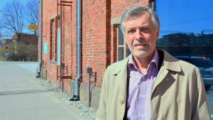 Jan-Erik Enestam.