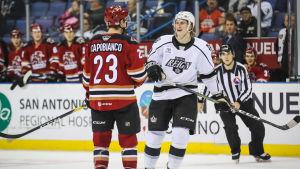 Alex Lintuniemies insatser i AHL premierades inte med någon NHL-kommendering.