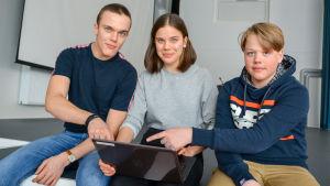 Eleverna Christian Örså, Vera Örså och Jonatan Holmström.