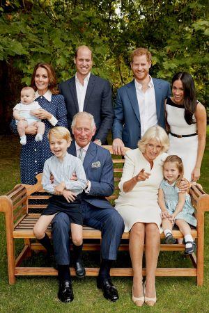 Familjen samlad. Prins Charles officiella födelsedagsporträtt.