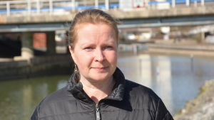 Porträttbild av Nina Kavon.