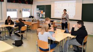 Klassrum i Höjdens skola i Tenala.