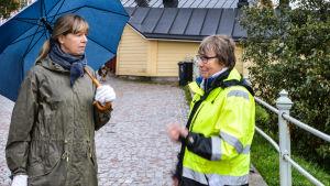 Borgåbon Ulrika Stråhlman och tf gatubyggnadschef Seija Kindstedt