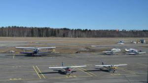 Flyg på malms flygstation