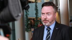 Alyn Smith fotograferad i EU-parlamentet den 27 mars 2019.