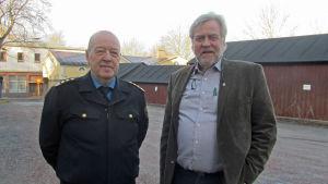 Brandschef Stig Granström och stadsdirektör Mårten Johansson i Ekenäs.